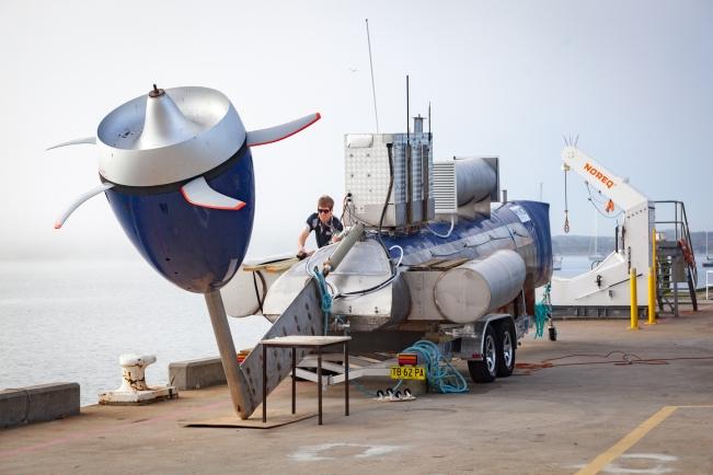 turbine-on-crane-2